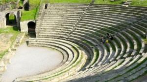 Fiesole_area_archeologica_teatro_03-604x338